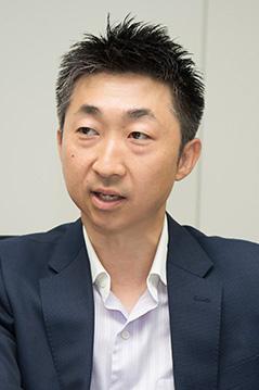 小山内博信氏